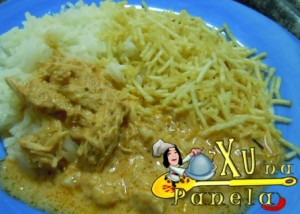 prato de strogonoff com batata palha
