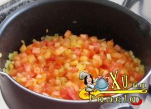 adicionando tomates