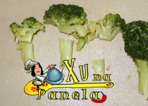 separar o talo do brócolis