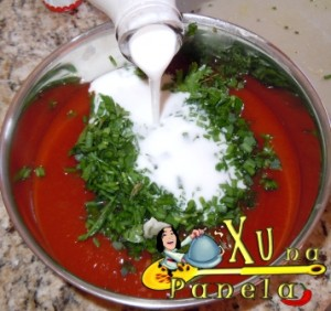 molho de tomate para o peixe