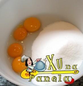 gemas de ovos e açúcar