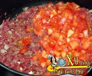 carne seca e tomate