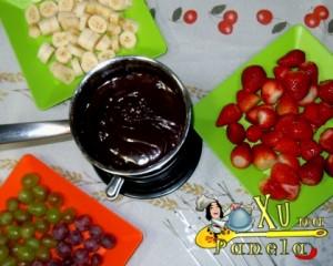 frutas uva, banana, morango