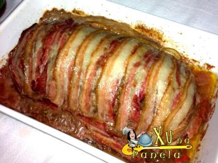 bolo de carne com bacon e ovo